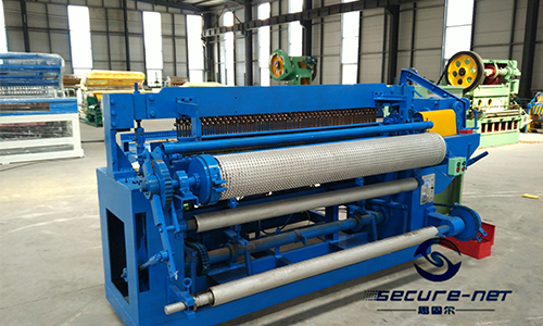 hot dipped galvanized welded wire mesh roll machine
