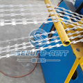 China Double Strands Barbed Wire Mesh Machine